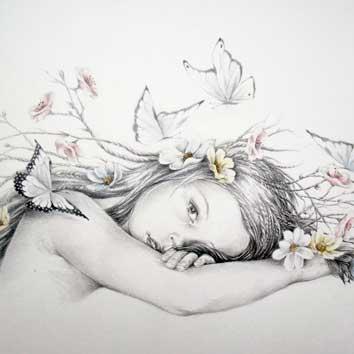 Portret van meisje met vlinders en bloemen